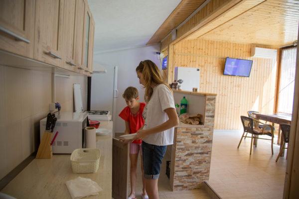 copiii in bucatarie